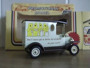 Lledo LP6086, Model T Ford Van, Country Life English Butter, plastic baseplate