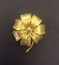 Vintage Costume Jewellery Gold Metal Flower Brooch  40s 50s Glam!