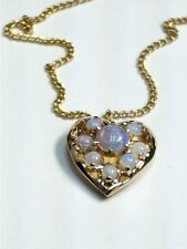 BEAUTIFUL LADIES YELLOW GOLD OPAL HEART PENDANT AND CHAIN