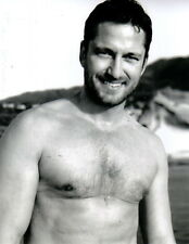 Gerard Butler Shirtless 8x10 photo P4361