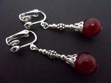 Un Par de púrpura rojo Jade colgantes pendientes de clip. Nueva.