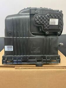 13-18 Ram 2500 3500 4500 5500 6.7L Air Cleaner Assembly  Mopar 68137181AC
