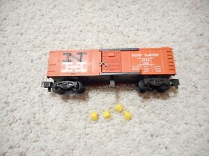 S SCALE AMERICAN FLYER 25082 NEW HAVEN HAY BAIL OPERATING BOXCAR