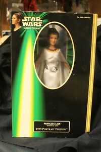 1999 Portrait Edition Princess Leia
