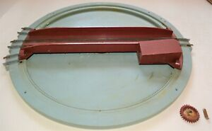 Triang OO gauge R408 electrically operated turntable - damaged/playworn