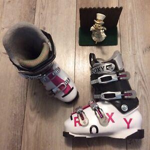 Roxy womens ski boots ski boots size 5.5 24.5 Minimal Use White, Black, Pink