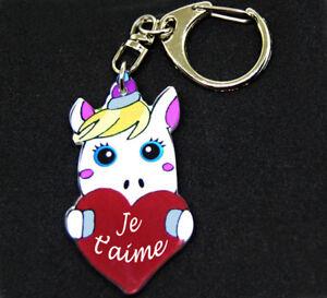 """Porte-clés licorne message """"Je t'aime"""" dans un coeur rouge saint valentin"""
