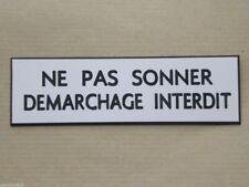 """plaque gravée """"NE PAS SONNER DEMARCHAGE INTERDIT"""" (2 versions)  petit format"""