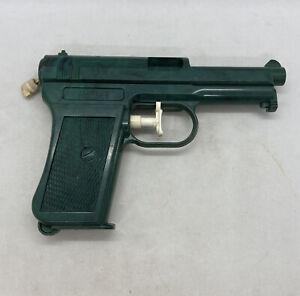 """Toy / Vintage Mauser Water Pistol Squirt Gun 6"""" Park Plastics Linden New Jersey"""