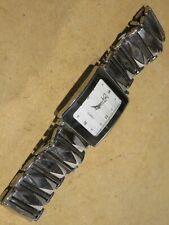 vecchio orologio da polso SK QUARTZ Stainless Steel Back Water Resistant metallo