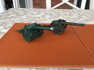 2 Vintage Britains Howitzers