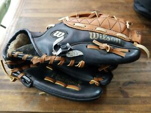 "Used Wilson Easy Catch 10-1/2"" A2473 Baseball Mit, black & tan T-ball model"