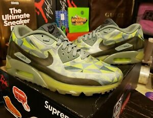$1 AUCTION Auth Men's Size 9.5 US Nike Air Max 90 Ice Volt Mica Green 631748-700