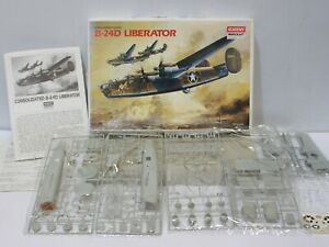 Academy Minicraft Consolidated-Vultee B-24D Liberator 1/72 Aircraft NEW -254