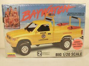 1995 Lindberg Baywatch Beach Patrol Toyota Pickup 1:20 Model Kit