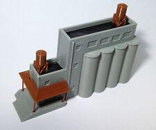 Outland Models Modelleisenbahn Miniatur Industrieanlage Getreidesilos Spur Z