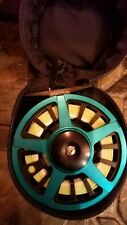 PISCIFUN TWO TONE FLY REEL W/ORVIS FLY LINE AND BACKING 5WT WITH CASE NEW!