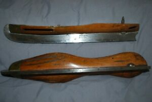 A PAIR OF VINTAGE I. SORBY  SHEFFIELD PATENT ICE SKATES BOULTBEES NO PATENT266