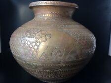 Antiguo Florero de contenedor de agua de latón grabado indio