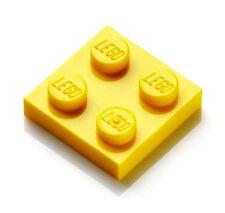 Lapel Pin Yellow Lego (R)