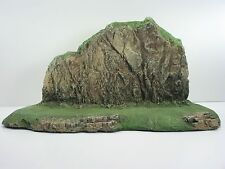 MOUNTAINOUS BACKDROP (DIORAMA) CAST FOAM ATHERTON SCENICS (#9920)