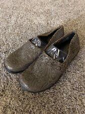 BOC Born Howell Tooled Leather Flat Slip On Shoes Dark Brown 9.5 Med C95222