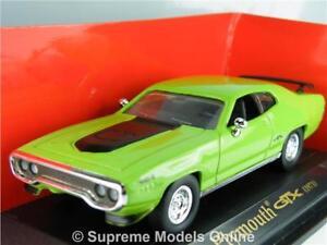 PLYMOUTH GTX 1971 CAR MODEL 1:43 SCALE GREEN COLOUR ROAD SIGNATURE USA T34Z