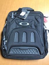 Oakley vertical messenger bag