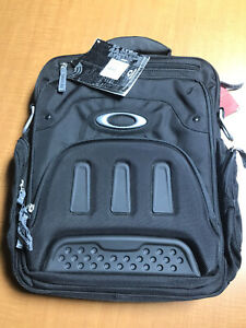 Oakley vertical messenger bag