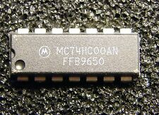 10x MC74HC00AN Quad 2-Input NAND-Gate, Motorola