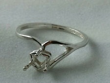 6x6mm Trillion Sterling Silver Half-Vee Shank Pre-Notched Ring Setting Size 7