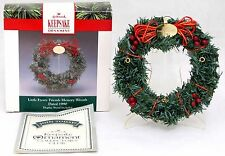 Hallmark Little Frosty Friends Memory Wreath Ornament Christmas w/Stand 1990