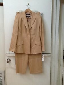 Women's Kasper 3 Piece Pant Suit,  size 10 Petite
