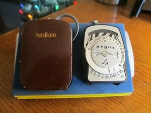 ARGUS L3 LIGHT EXPOSURE METER in leather case with chain UNTESTED