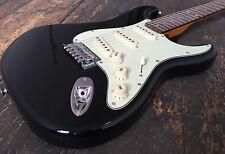 SX Strat noir guitare électrique avec rembourré gig bag rrp 189.99 entièrement set up