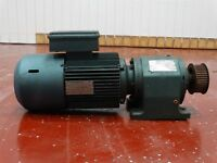Sew Eurodrive DFT100LS4 Motor 3HP 8.6/4.3A 230/460V Gearbox R63DT100LS4 16.55:1