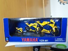 """New-Ray--YAMAHA -YZR-M1-del 2006-Confezione TRIS """"Valentino Rossi""""-GIALLO-MB-"""