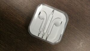 White model earphone earbud 3.5 mm jack new with package