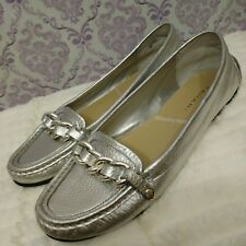 Tahari Dennis Silver Chain Loafers Flats Driving Moccasins Womens US 8 M Leather