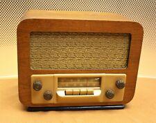 VINTAGE OLD ANTIQUE SILVERTONE RADIO;1947,WOOD & BUTTERSCOTCH PLASTIC,RESTORED!
