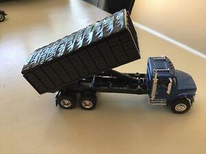 1/64 Tandem Grain Truck nice details bed rises