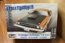 REVELL '70 DODGE CHALLENGER T/A  2'n1 MODEL KIT 1/24 SCALE