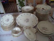 Service de table et à dessert, en porcelaine de Limoges- Chapus et Fils _53 p