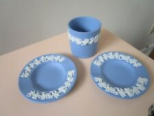 WEDGWOOD BLUE JASPERWARE CIGARRETE HOLDER AND 2 ASHTRAYS [*JASPER]