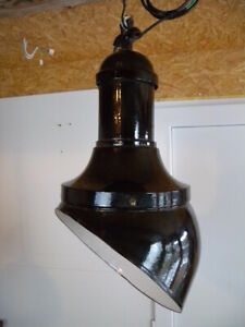 Selten 20er Bauhaus Industriedesign schräge Fabrik Werkstattlampe Deckenlampe