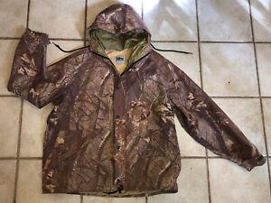 10X Gore-Tex Rainwear with Hood Realtree Hardwoods Camo Hunting Jacket Men's XL