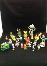 Lot of 28 Disney Figures/toys Es Z4
