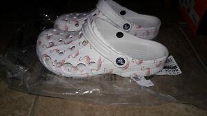 NEW Womens Crocs Baya Flamingo Clog Shoes, size 9