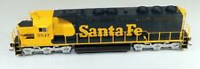Athearn #95424 SD-45 Powered Diesel Locomotive ATSF #5547 1/87 HO Scale