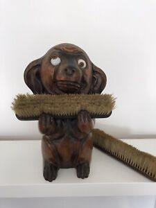 UNUSUAL VINTAGE LARGE CUTE HAND CARVED WOODEN DOG CLOTHES BRUSH HOLDER